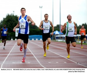 Richard Buck (left) holds off Tom Druce (right) to win the 2013 UK Inter-Counties title